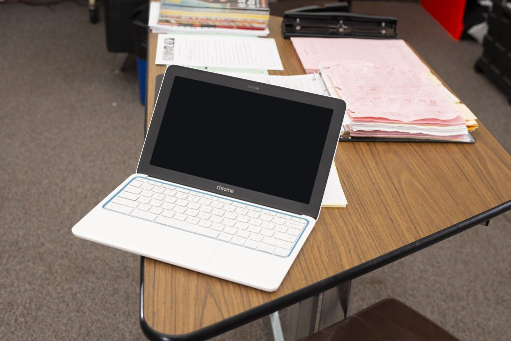 chromebook-in-classroom-on-edge-of-table