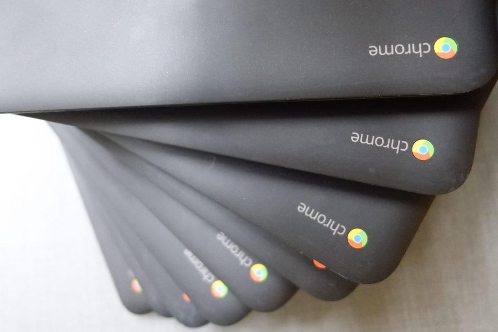 chromebooks-offline-stacked-in-a-spiral
